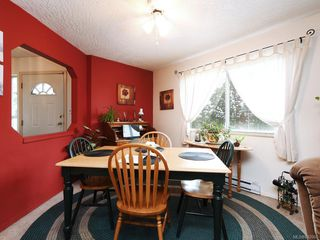 Photo 4: 728 Stancombe Pl in Esquimalt: Es Gorge Vale House for sale : MLS®# 842068