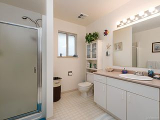 Photo 9: 728 Stancombe Pl in Esquimalt: Es Gorge Vale House for sale : MLS®# 842068