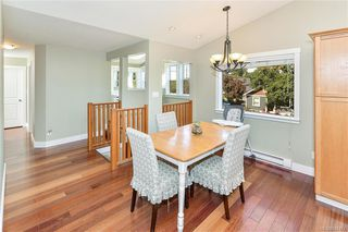 Photo 10: 1063 Chesterfield Rd in Saanich: SW Strawberry Vale House for sale (Saanich West)  : MLS®# 844474