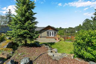 Photo 30: 1063 Chesterfield Rd in Saanich: SW Strawberry Vale House for sale (Saanich West)  : MLS®# 844474