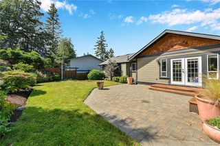 Photo 27: 1063 Chesterfield Rd in Saanich: SW Strawberry Vale House for sale (Saanich West)  : MLS®# 844474