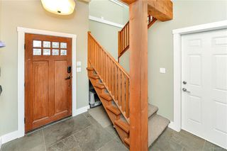 Photo 3: 1063 Chesterfield Rd in Saanich: SW Strawberry Vale House for sale (Saanich West)  : MLS®# 844474