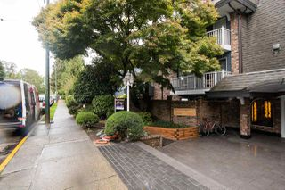 "Photo 2: 314 3875 W 4TH Avenue in Vancouver: Point Grey Condo for sale in ""LANDMARK JERICHO"" (Vancouver West)  : MLS®# R2508161"