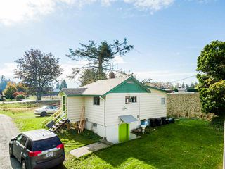 Photo 3: 34141 FARMER Road in Abbotsford: Poplar House for sale : MLS®# R2511876
