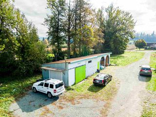 Photo 4: 34141 FARMER Road in Abbotsford: Poplar House for sale : MLS®# R2511876
