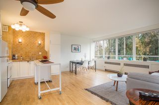 """Photo 5: 815 1445 MARPOLE Avenue in Vancouver: Fairview VW Condo for sale in """"HYCROFT TOWERS"""" (Vancouver West)  : MLS®# R2396150"""
