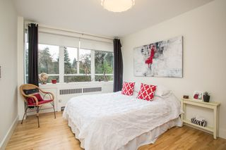 """Photo 8: 815 1445 MARPOLE Avenue in Vancouver: Fairview VW Condo for sale in """"HYCROFT TOWERS"""" (Vancouver West)  : MLS®# R2396150"""