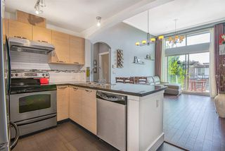 """Photo 4: 603 7428 BYRNEPARK Walk in Burnaby: South Slope Condo for sale in """"GREEN"""" (Burnaby South)  : MLS®# R2401556"""