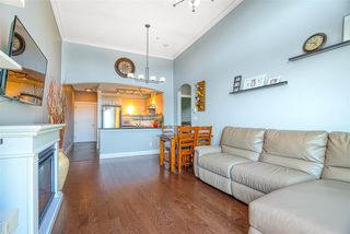"""Photo 8: 603 7428 BYRNEPARK Walk in Burnaby: South Slope Condo for sale in """"GREEN"""" (Burnaby South)  : MLS®# R2401556"""