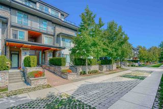 """Photo 2: 603 7428 BYRNEPARK Walk in Burnaby: South Slope Condo for sale in """"GREEN"""" (Burnaby South)  : MLS®# R2401556"""