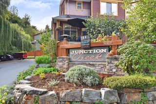 """Photo 2: 31 36169 LOWER SUMAS MTN Road in Abbotsford: Abbotsford East Townhouse for sale in """"Junction Creek"""" : MLS®# R2426451"""