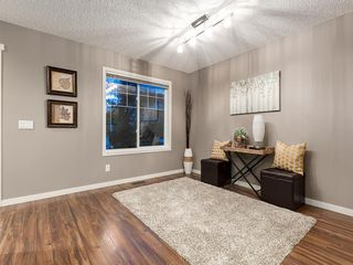 Photo 4: 44 COPPERPOND Road SE in Calgary: Copperfield Semi Detached for sale : MLS®# C4306470