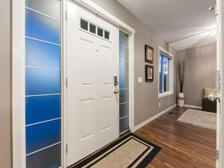 Photo 2: 44 COPPERPOND Road SE in Calgary: Copperfield Semi Detached for sale : MLS®# C4306470