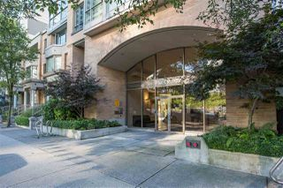 Photo 1: 1710 1188 RICHARDS Street in Vancouver: Yaletown Condo for sale (Vancouver West)  : MLS®# R2498878