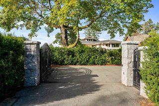 Photo 1: 2729 CRESCENT DRIVE in Surrey: Crescent Bch Ocean Pk. House for sale (South Surrey White Rock)  : MLS®# R2507138