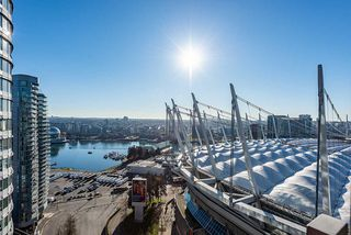 "Main Photo: 2601 111 W GEORGIA Street in Vancouver: Downtown VW Condo for sale in ""SPECTRUM Tower"" (Vancouver West)  : MLS®# R2521525"