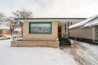 Photo 2: 787 BANNING Street in Winnipeg: Sargent Park Residential for sale (5C)  : MLS®# 202029183