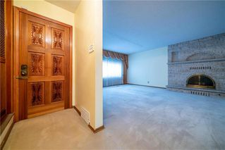 Photo 3: 787 BANNING Street in Winnipeg: Sargent Park Residential for sale (5C)  : MLS®# 202029183