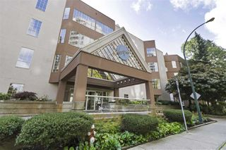 """Photo 2: 420 1150 QUAYSIDE Drive in New Westminster: Quay Condo for sale in """"WESTPORT"""" : MLS®# R2527891"""