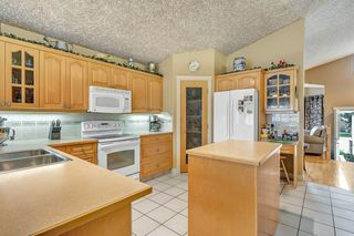 Photo 8: 6707 165 Avenue in Edmonton: Zone 28 House for sale : MLS®# E4165495
