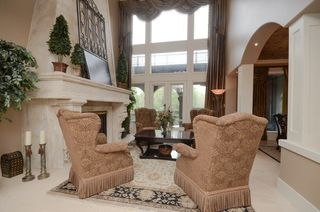 Photo 3: 1124 119 Street in Edmonton: Zone 16 House for sale : MLS®# E4169203