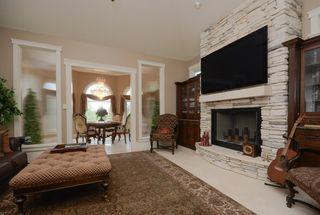 Photo 9: 1124 119 Street in Edmonton: Zone 16 House for sale : MLS®# E4169203