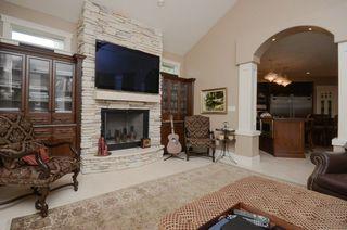 Photo 10: 1124 119 Street in Edmonton: Zone 16 House for sale : MLS®# E4169203