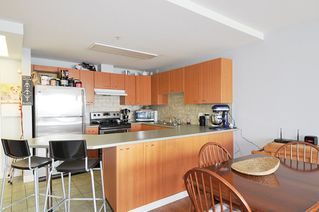"Photo 3: A335 2099 LOUGHEED Highway in Port Coquitlam: Glenwood PQ Condo for sale in ""SHAUGHNESSY SQUARE"" : MLS®# R2439032"