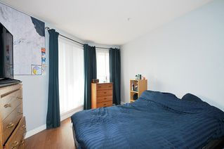 "Photo 6: A335 2099 LOUGHEED Highway in Port Coquitlam: Glenwood PQ Condo for sale in ""SHAUGHNESSY SQUARE"" : MLS®# R2439032"