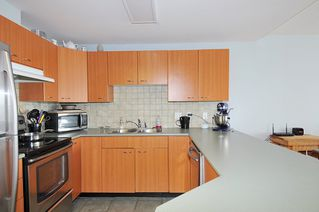 "Photo 2: A335 2099 LOUGHEED Highway in Port Coquitlam: Glenwood PQ Condo for sale in ""SHAUGHNESSY SQUARE"" : MLS®# R2439032"