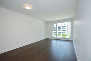 """Photo 9: 305 1561 W 57TH Avenue in Vancouver: South Granville Condo for sale in """"BEVERLY HOUSE"""" (Vancouver West)  : MLS®# R2461763"""
