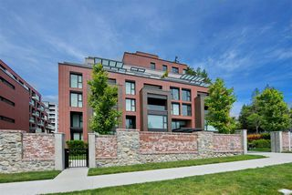 """Photo 18: 305 1561 W 57TH Avenue in Vancouver: South Granville Condo for sale in """"BEVERLY HOUSE"""" (Vancouver West)  : MLS®# R2461763"""