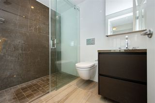 """Photo 11: 305 1561 W 57TH Avenue in Vancouver: South Granville Condo for sale in """"BEVERLY HOUSE"""" (Vancouver West)  : MLS®# R2461763"""