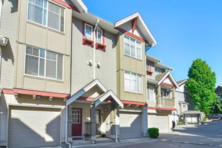 Photo 2: 19 6651 203 Street in Langley: Willoughby Heights Townhouse for sale : MLS®# R2465272