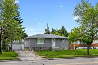 Photo 2: 5927 CENTRE Street NW in Calgary: Thorncliffe Detached for sale : MLS®# C4302907