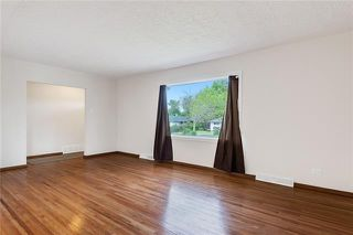 Photo 5: 5927 CENTRE Street NW in Calgary: Thorncliffe Detached for sale : MLS®# C4302907