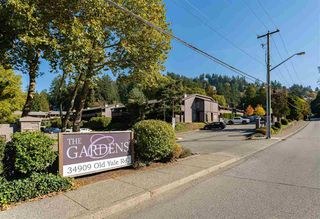 "Photo 2: 921 34909 OLD YALE Road in Abbotsford: Abbotsford East Townhouse for sale in ""THE GARDENS"" : MLS®# R2473660"