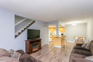 "Photo 13: 921 34909 OLD YALE Road in Abbotsford: Abbotsford East Townhouse for sale in ""THE GARDENS"" : MLS®# R2473660"