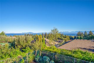 Photo 3: 5180 Laguna Way in : Na Hammond Bay House for sale (Nanaimo)  : MLS®# 857237