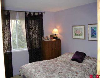 Photo 5: 6291 CHARBRAY PL in Surrey: Cloverdale BC House for sale (Cloverdale)  : MLS®# F2512941