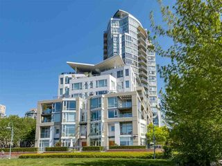 Photo 6: 1501 1383 MARINASIDE CRESCENT in Vancouver: Yaletown Condo for sale (Vancouver West)  : MLS®# R2195736