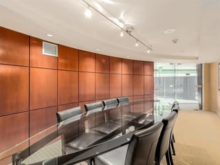 Photo 10: 1501 1383 MARINASIDE CRESCENT in Vancouver: Yaletown Condo for sale (Vancouver West)  : MLS®# R2195736