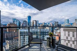 Photo 2: 2002 1155 SEYMOUR Street in Vancouver: Downtown VW Condo for sale (Vancouver West)  : MLS®# R2471800