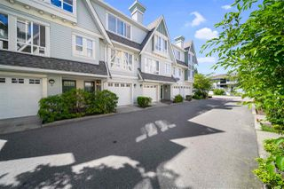 Photo 3: 4 16388 85 Avenue in Surrey: Fleetwood Tynehead Townhouse for sale : MLS®# R2479173