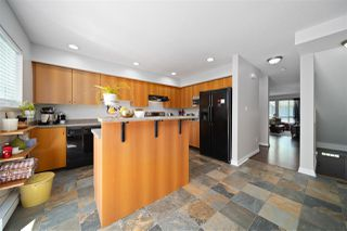 Photo 7: 4 16388 85 Avenue in Surrey: Fleetwood Tynehead Townhouse for sale : MLS®# R2479173