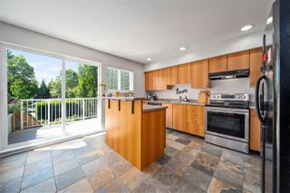 Photo 5: 4 16388 85 Avenue in Surrey: Fleetwood Tynehead Townhouse for sale : MLS®# R2479173