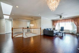 Photo 3: 6462 124A Street in Surrey: West Newton House for sale : MLS®# R2497696