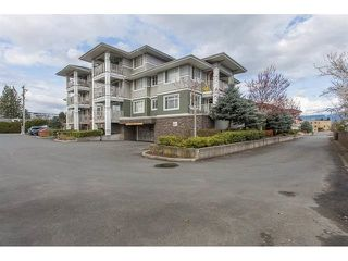 "Photo 1: 310 46262 FIRST Avenue in Chilliwack: Chilliwack E Young-Yale Condo for sale in ""THE SUMMIT"" : MLS®# R2499093"