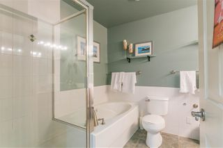 """Photo 14: 305 131 W 3RD Street in North Vancouver: Lower Lonsdale Condo for sale in """"Seascape Landing"""" : MLS®# R2526409"""