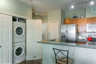 """Photo 5: 305 131 W 3RD Street in North Vancouver: Lower Lonsdale Condo for sale in """"Seascape Landing"""" : MLS®# R2526409"""